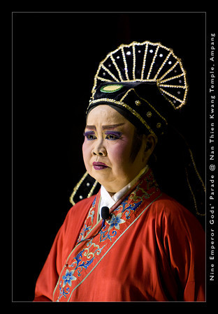 The Chinese Opera usually feature very elobrate headgears and costumes.