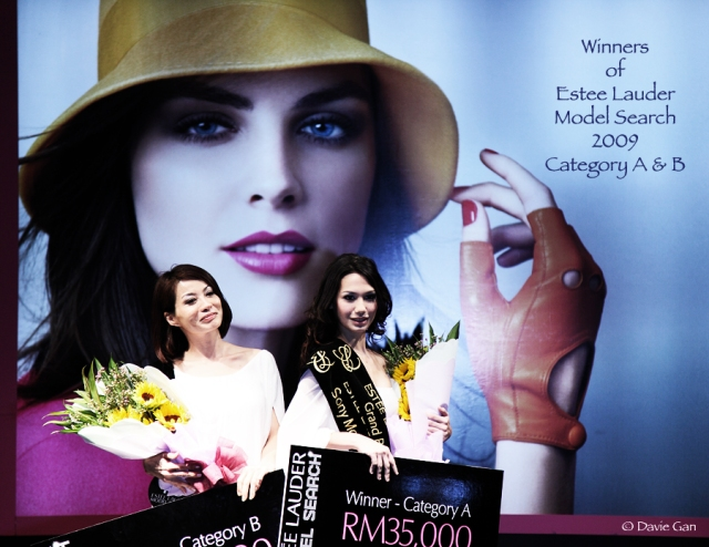 Estee Lauder Brand Ambassadors for 2009, Carol Lai (Cat. B) and Jennifer Pederson (Cat. A)