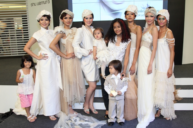 "Presentation by shu uemura Accredited Artists featuring Melinda Looi's Bridal Collection 2009 entitled : ""Garden of Eden""."