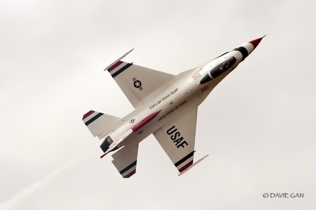 A top view of the beautiful Thunderbirds F-16C Fighting Falcon.