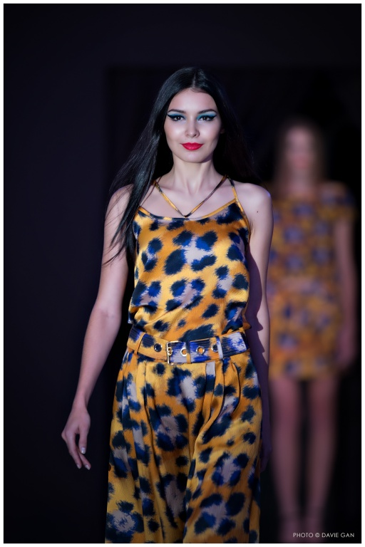 Inna with a beautiful leopard prints from Kenzo.